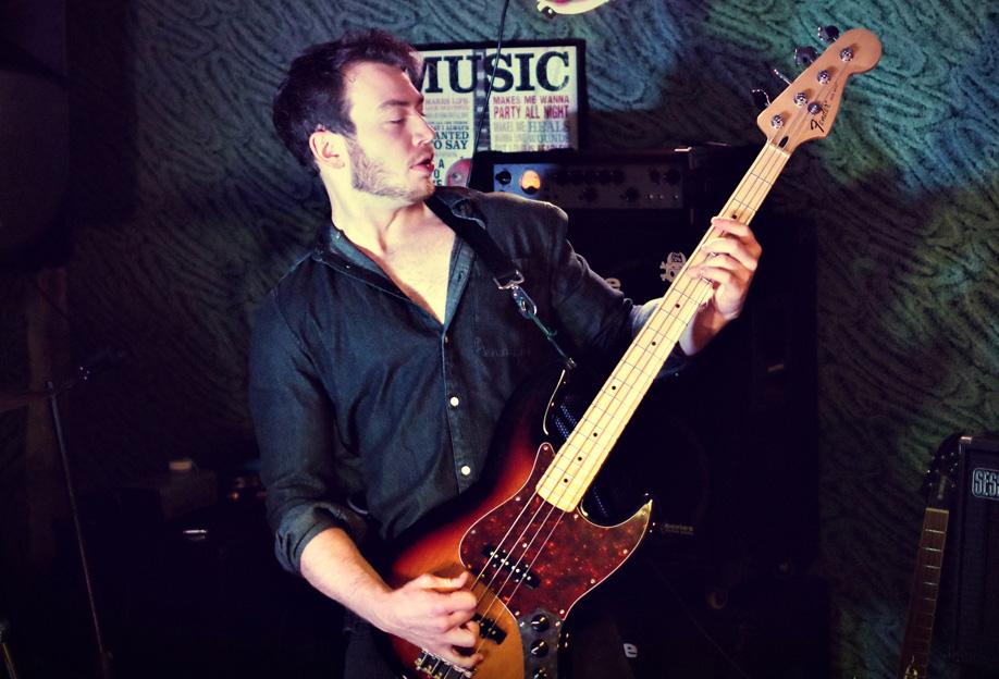 Maik Keller (Bass)